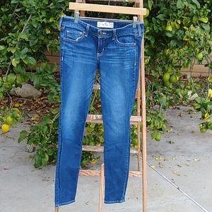 Hollister skinny jeans Size 7 Regular